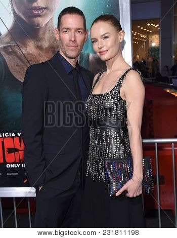 LOS ANGELES - MAR 12:  Kate Bosworth and Michael Polish arrives for the 'Tomb Raider' US Premiere on March 12, 2018 in Hollywood, CA
