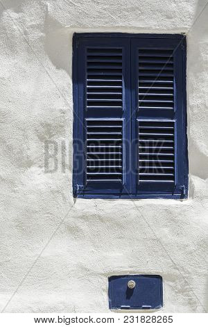 Building With Traditional Maltese Window In Historical Part Of Valletta.