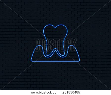 Neon Light. Parodontosis Tooth Icon. Gingivitis Sign. Inflammation Of Gums Symbol. Glowing Graphic D
