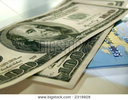 Cash Versus Credit Card
