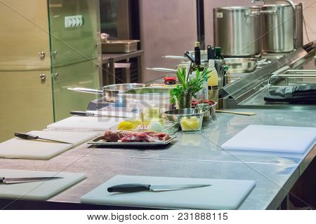 Master Class Workplace Restaurant Kitchen Product Stainless Steel Table Cutting Board.