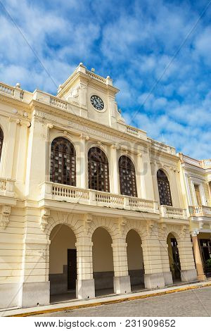 Santa Clara, Cuba - December 10, 2017: Facade Of The Palazzo Comunale Di Santa Clara On Sunday Morni