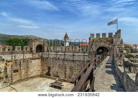 Kamerlengo Is A Castle And Fortress In Trogir, Croatia. It Was Built By The Republic Of Venice. Cour
