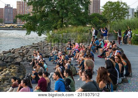 New York, Nyc, Usa- August 26, 2017: People Sitting And Watching Sunset On The Brooklyn Boulevard. S
