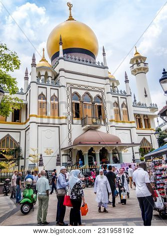 Haji Lane, Singapore-september 22:  Street View Of Preserved Historical Sultan Mosque Is A Mosque Lo