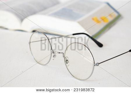 Background Spectacles With Dictionary English For Study On Table White
