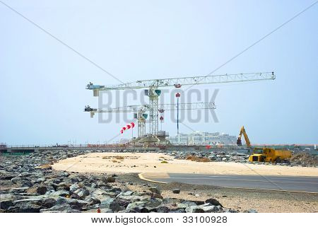 Construction Cranes in Duba