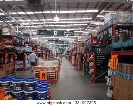 Moorabbin, Australia - November 1, 2019: Bunnings Interior With Rows Of Neatly Placed Products Under