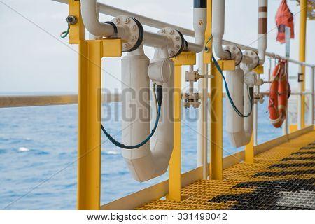 Coriolis Flow Meter Or Mass Flow Meter For Measure Oil And Gas Fluids In Pipe Line, Flow Measurement