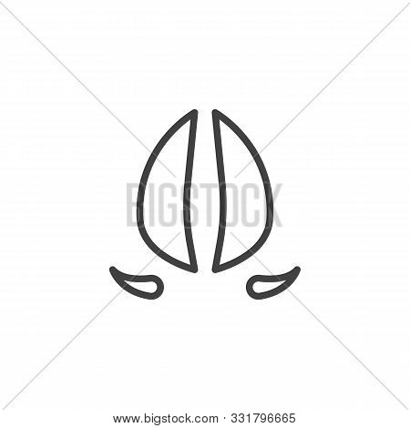 Deer Hoof Print Line Icon. Linear Style Sign For Mobile Concept And Web Design. Deer Paw Print Outli