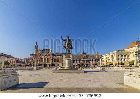 Union Square (piata Unirii) Seen At The Sunny Day In Oradea, Romania (26-2019 - Octomber)