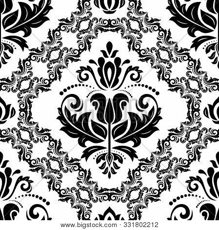 Classic Seamless Vector Pattern. Damask Orient Ornament. Classic Vintage Background. Orient Black An
