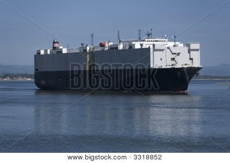 Shipping On The Columbia River