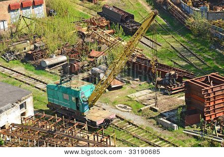 Train crane railcar