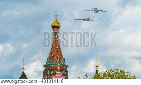 May 7, 2021, Moscow, Russia. An Il-78 Tanker Plane And A Tu-160 Strategic Bomber Over Red Square In