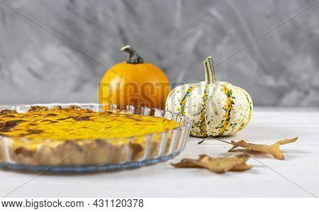 Fresh Pumpkin Pie. Traditional Thanksgiving Dinner. Pumpkin. Copy Space.