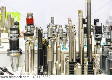 Various Type High Speed Cutting Tool For Industrial E.g. End Mill And Shell Mill And Face Mill Etc.