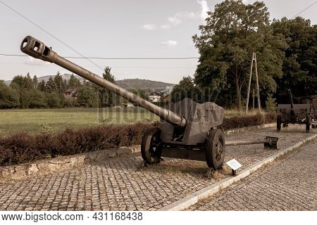 Old Soviet Anti-tank Divisional Gun 85 Mm D-44 Form World War Ii In Front Of The Wedrowiec Fort Bunk