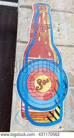 Bordeaux , Aquitaine  France - 08 25 2021 : Sol Mexican Beer Text Brand And Logo Sign Front Bar Beer