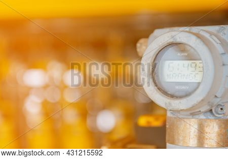 Digital Pressure Gauge Of Oil And Gas In Process Controller, Programmable Logic Controller ,send Sig