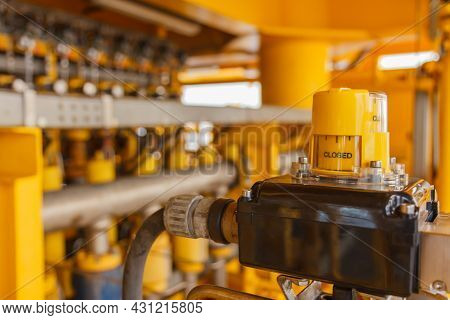 Switch Indicates The Valve Position Open Or Close / Can See The Work Of Valve On  Production Procedu