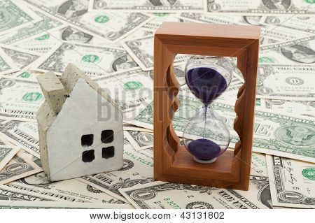House Model And Hourglass