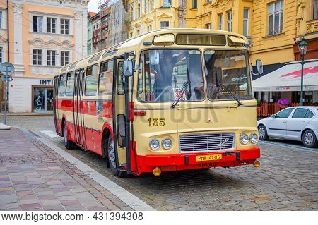 Plzen, Czech Republic - 22.08.2021: Retro Bus On Main Square In Plzen, Czech Republic