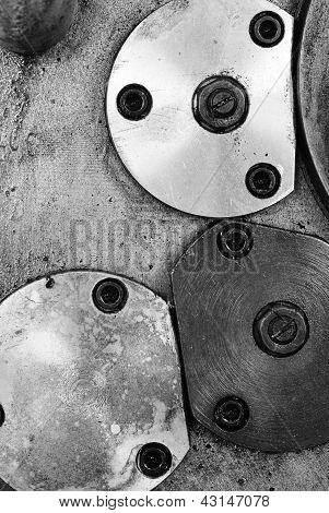 Locked Plate Onthe Old Lathe Machine