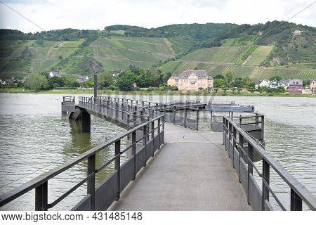 Half Sunk Ship Bridge To Rhine Island Namedyer Wert In Summer 2021
