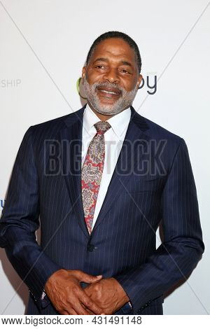 LOS ANGELES - AUG 20:  Norm Nixon at the 21st Annual Harold and Carole Pump Foundation Gala at the Beverly Hilton Hotel on August 20, 2021 in Beverly Hills, CA