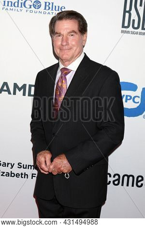 LOS ANGELES - AUG 20:  Steve Garvey at the 21st Annual Harold and Carole Pump Foundation Gala at the Beverly Hilton Hotel on August 20, 2021 in Beverly Hills, CA