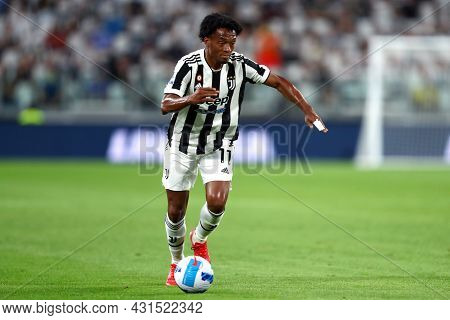 Torino, Italy. 28 August 2021. Juan Cuadrado Of Juventus Fc  In Action During The Serie A Match Betw