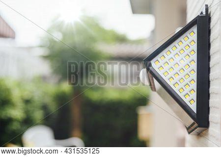 Small Solar Powered Led Light With Motion Sensor.