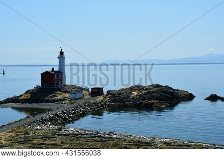 Fisgard Lighthouse, Fort Rodd Hill, Victoria Bc, Canada, August 29th 2021.the Lighthouse At Fort Rod