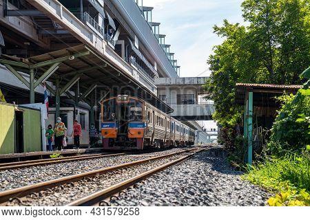 Bangkok, Thailand - 26 Sep 2020, The Environment Of Ladkrabang Train Station Platform With The Local