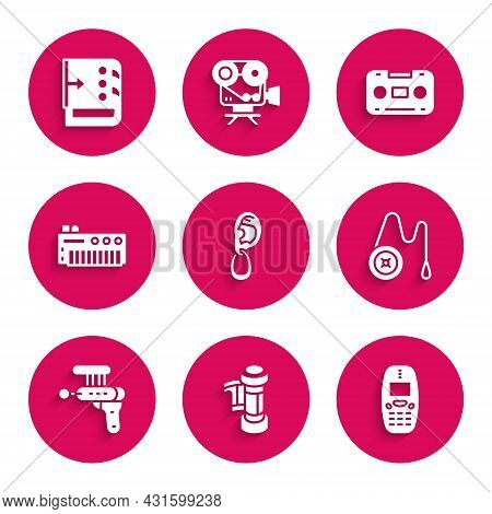 Set Ear With Earring, Camera Roll Cartridge, Old Mobile Phone, Yoyo Toy, Ray Gun, Music Synthesizer,