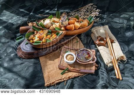 Many Vegetarian Food : Fried Taro Rolls (taro Guangjian) And Deep Fried Spring Rolls, Fried Tofu, Fr