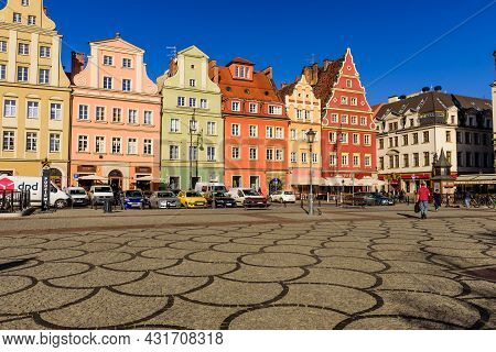 Wroclaw, Poland - October 14, 2019: Sightseeing Of Poland. Market Square In Wroclaw Old Town