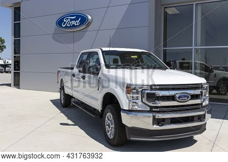 Indianapolis - Circa September 2021: Ford F-250 Display At A Dealership. The Ford F250 Is Available