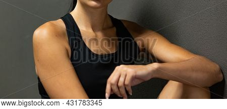 The Idea Of Keeping Your Own Body In A Comfortable Physical Shape. Part Of The Female Body Clavicle