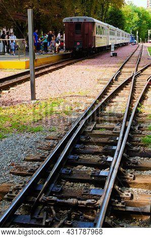 Kyiv, Ukraine-august 22, 2021:children's Train Arrived At The Station. Railway Track Switch. Kyiv Ch