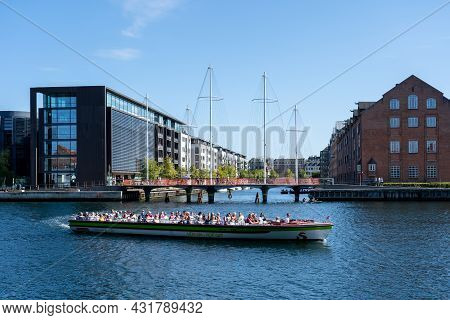 Copenhagen, Denmark - September 02, 2021: A Tourist Tour Boat In The Habor On A Sunny Day.