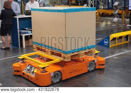 Mobot Agv Mobile Robot, Warehousing. High-tech Expo In Poland.
