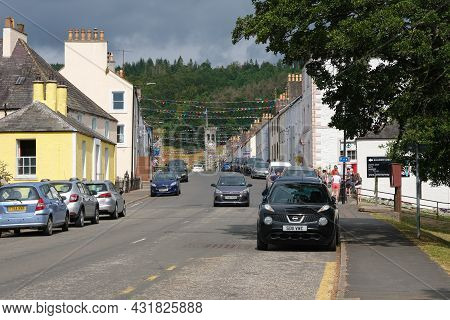 Gatehouse Of Fleet, Scotland - August 15th 2021: The High Street In The Town Of Gatehouse Of Fleet D