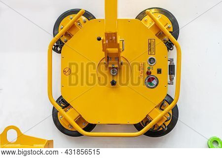 Top View Heavy Duty Power Vacuum Suction Lifter Unit For Carry And Transfer Metal Sheet Glass Plasti