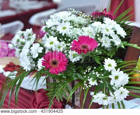 Lots Of Beautiful Flowers On A Bouquet