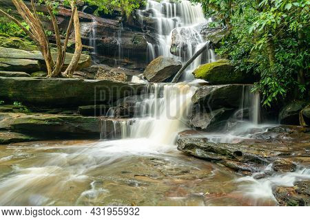 High Spring Flow At Lower Somersby Falls Near Gosford On The Nsw Central Coast