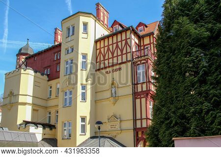 Karlovy Vary, Czech - April 26, 2012: This Is One Of The Villas In The Style Of Modernism In A Fashi