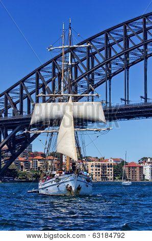 Tallship Soren Larsen and Sydney Harbour Bridge