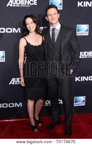 LOS ANGELES - OCT 1:  Joanna Going, Jonathan Tucker at the
